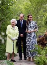 【イタすぎるセレブ達】キャサリン妃、自らデザインした庭園をエリザベス女王にお披露目