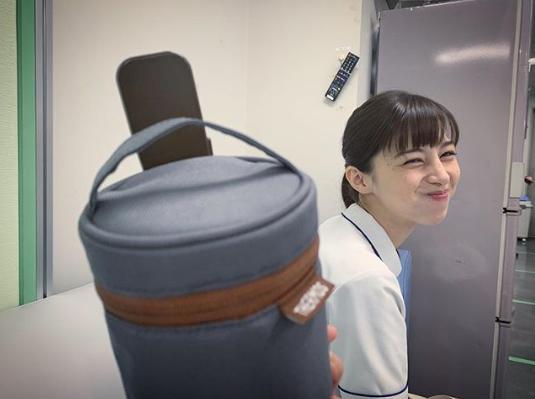 にゅう麺を差し入れた中条あやみ(画像は『水川あさみ 2019年5月1日付Instagram「おばあちゃんから受け継いでいるという実家の味のにゅう麺をぽーが作ってきてくれた。」』のスクリーンショット)