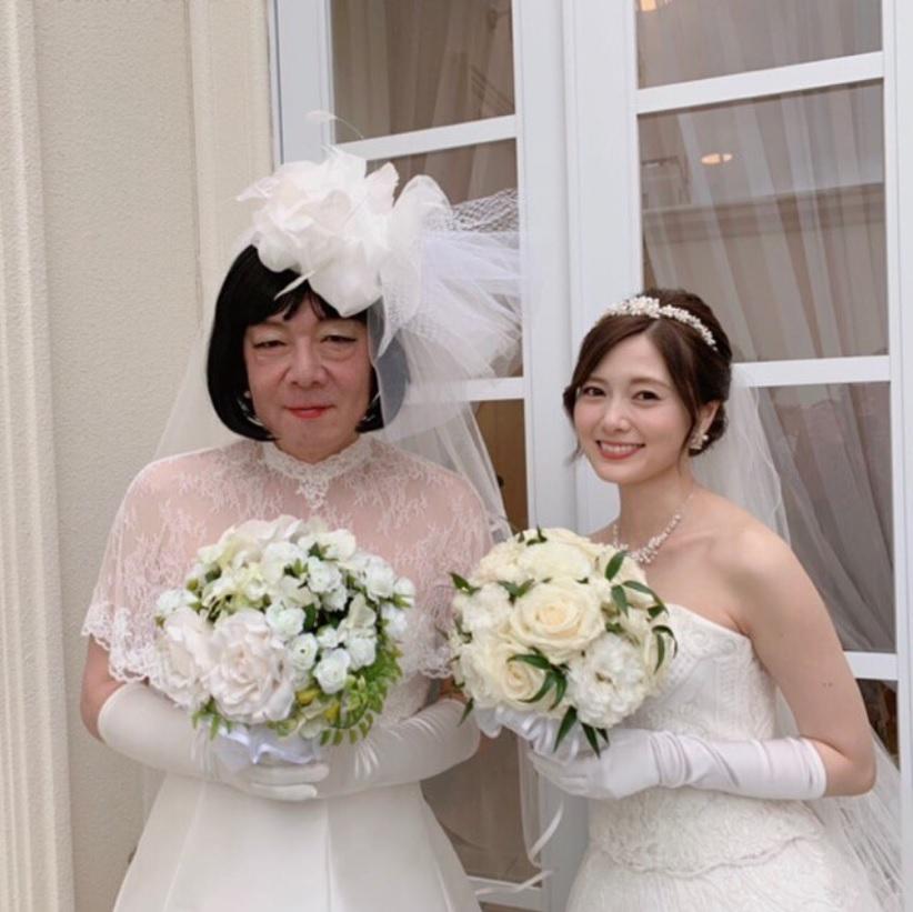 ウェディングドレス姿の古田新太と白石麻衣(画像は『【公式】俺のスカート、どこ行った? 2019年5月25日付Instagram「最高の二人」』のスクリーンショット)