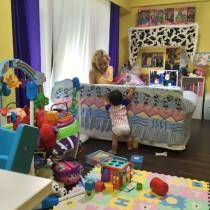 【エンタがビタミン♪】ぺこ&りゅうちぇる、子育て中のリアルな自宅に「おもちゃの散らかり具合が絵になる」の声