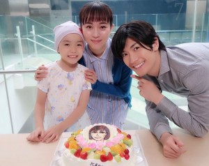 【エンタがビタミン♪】三浦春馬 新ドラマ『TWO WEEKS』撮影現場では、比嘉愛未の「朗らかさが癒し」