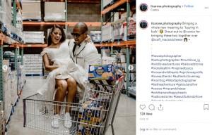 """出会いのきっかけになったマカロニ&チーズ(画像は『L I S A . R O S E 2019年6月18日付Instagram「Bringing a whole new meaning to """"buying in bulk""""」』のスクリーンショット)"""