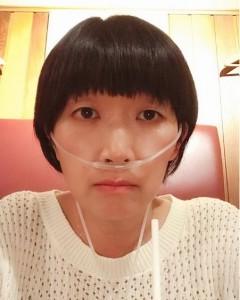 「入院?」誤解されてしまった川村エミコ(画像は『川村エミコ(たんぽぽ) 2019年7月16日付Instagram「1人水素バー」』のスクリーンショット)