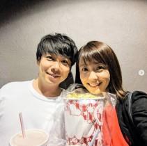 【エンタがビタミン♪】小林麻耶、誕生日は夫と映画館デート 2ショットに「お顔がソックリ」の声