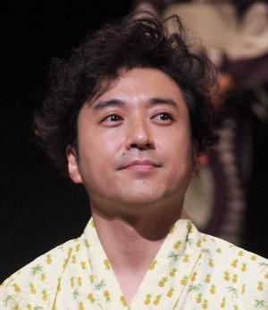 【エンタがビタミン♪】ムロツヨシ、半年ぶりのインスタ更新で傷だらけの姿 「ボコボコにされました」