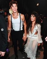 【イタすぎるセレブ達】ショーン・メンデス&カミラ・カベロ、VMAでの親密すぎるパフォーマンスにセレブ達も大興奮