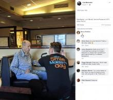 【海外発!Breaking News】91歳男性の身の上話に耳を傾けるウエイター そのやりとりが温かい(米)