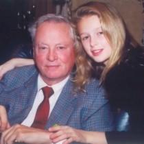 【イタすぎるセレブ達・番外編】パリス・ヒルトン、祖父他界でSNSに追悼メッセージ綴る