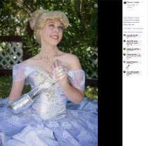 """【海外発!Breaking News】先天性前腕欠損の女性が""""ガラスの腕""""を持つシンデレラに「人と違うことは私の強み」(米)"""