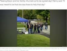 【海外発!Breaking News】バイク事故の負傷者を助けた女性、その娘のレモネードスタンドにバイカーが行列つくる(米)<動画あり>
