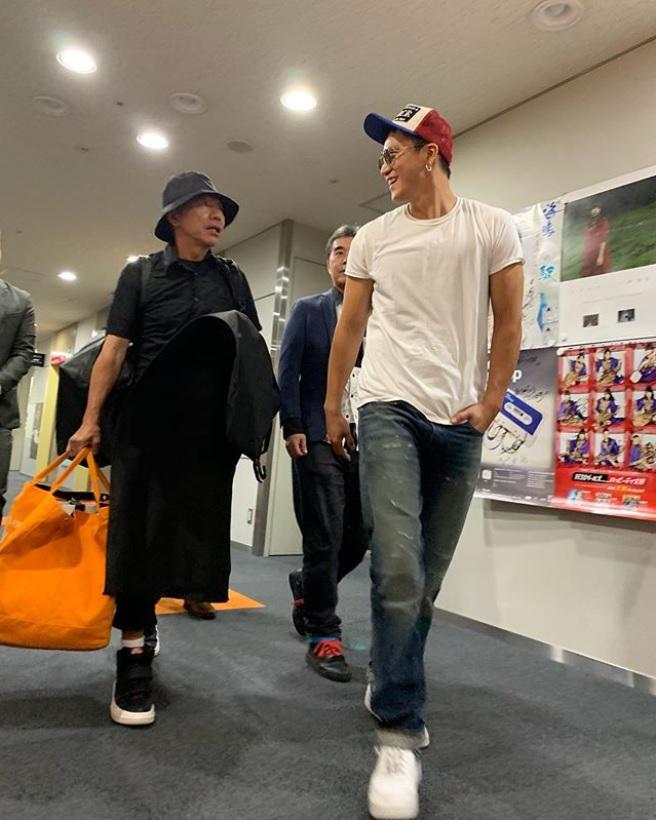 「日本とアメリカで活躍する、俳優さんのスタイリストアシスタントにバッテキされました!」と木梨憲武(画像は『木梨憲武 / Noritake Kinashi 2019年9月14日付Instagram「#ここで一旦お仕事シリーズです。」』のスクリーンショット)