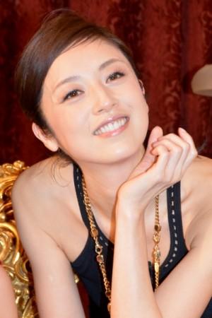 【エンタがビタミン♪】高岡早紀「28歳です」 『リカ』の年齢にツッコミ入るも「ホント魔性」の声