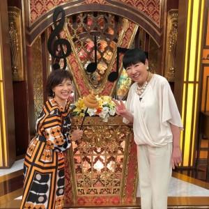 「チーム ホリプロ」で出演した榊原郁恵と和田アキ子(画像は『和田アキ子 2019年10月8日付Instagram「今日、19時から「芸能人格付けチェックMUSICスペシャル」に郁恵とともにホリプロチームで出演してます」』のスクリーンショット)