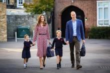 キャサリン妃、ジョージ王子&シャーロット王女と超庶民派スーパーでショッピング