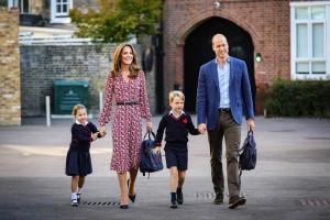 【イタすぎるセレブ達】キャサリン妃、ジョージ王子&シャーロット王女と超庶民派スーパーでショッピング