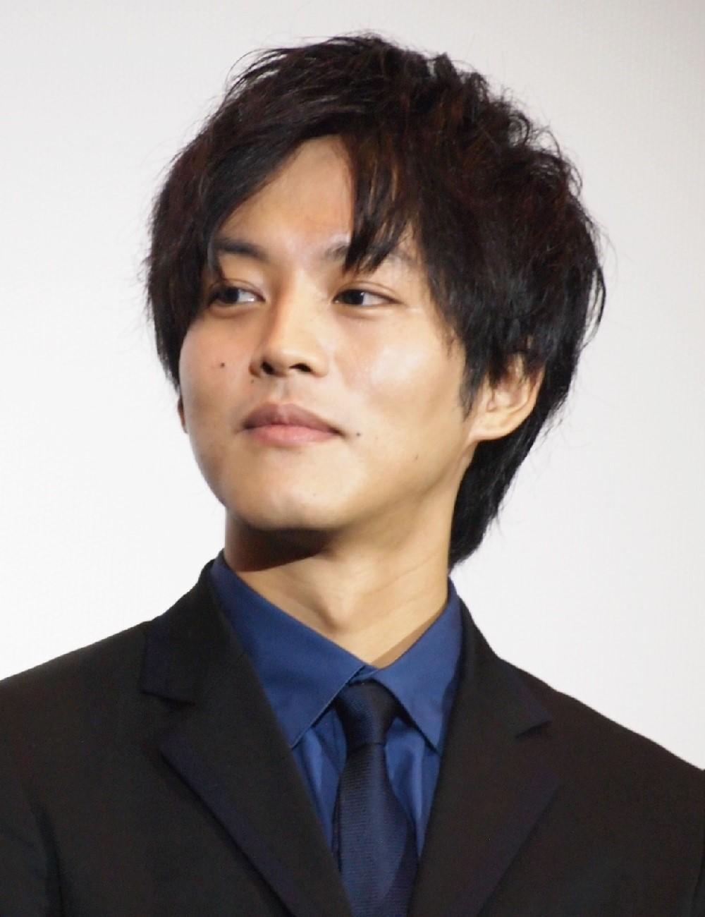1964年東京五輪招致に貢献した岩田幸彰役を演じる松坂桃李