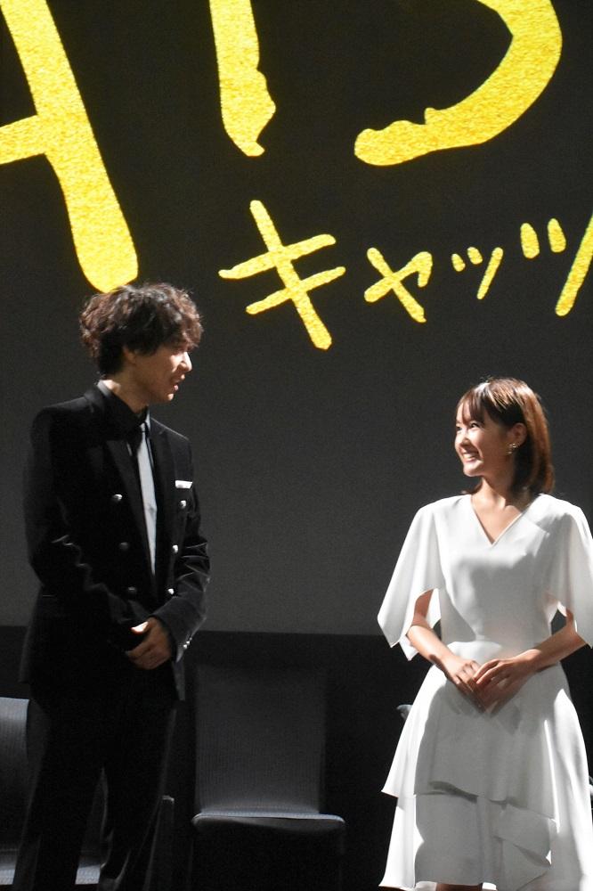 映画『キャッツ』日本語吹き替え版の声を務める山崎育三郎と葵わかな