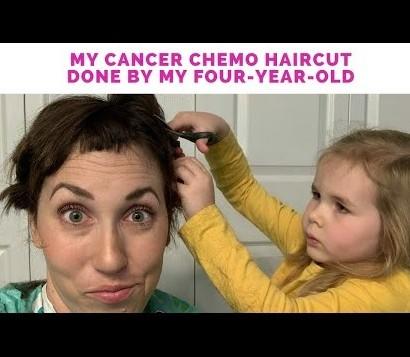 【海外発!Breaking News】卵巣がんで化学療法を始めた母の髪を4歳娘がカット(米)<動画あり>