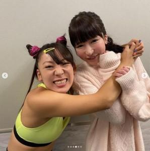 フワちゃんともえのあずき(画像は『Moeazu(16) 2019年11月29日付Instagram「今夜8時から 中居くん決めて!ゴールデン2時間SPに出演します」』のスクリーンショット)