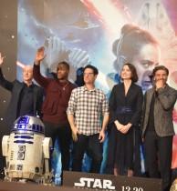 【イタすぎるセレブ達】『スター・ウォーズ』全作出演のC-3PO役俳優を来日会見で監督絶賛 日本の影響も明かす