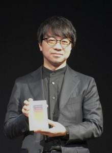 「文化人部門」受賞の新海誠監督