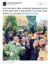 """【イタすぎるセレブ達】シルヴェスター・スタローン""""ロッキー像""""の前でファンに神対応見せる"""