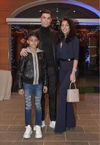 【イタすぎるセレブ達】クリスティアーノ・ロナウド、長男&恋人との3ショット公開 9歳息子がますますイケメンに