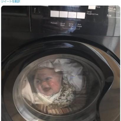 【海外発!Breaking News】洗濯機の中にいる幼児の姿に母親が悲鳴、のちに娘の顔写真入りシャツだと気づく(英)