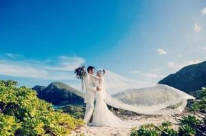 ハワイで挙式した窪塚洋介&PINKY(画像は『PINKY 2019年12月3日付Instagram「Wedding day」』のスクリーンショット)