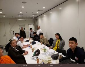 『有吉の壁 13』楽屋での芸人たち(画像は『ロッチ中岡 2019年12月12日付Twitter「本日「有吉の壁」収録!!」』のスクリーンショット)