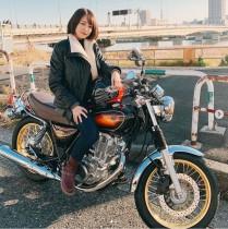 """【エンタがビタミン♪】滝菜月アナ、新車のバイクに跨り""""ドヤ顔"""" 「ヒルナンデスでツーリングしてほしい」の声"""