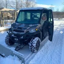 【イタすぎるセレブ達】マーサ・スチュワート78歳、マイ除雪車で広大な自宅ファームを除雪 「我ながらお見事」