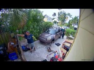 【海外発!Breaking News】助けを求める女性の叫び声に保安官が駆けつけるもオウムの仕業と判明(米)<動画あり>
