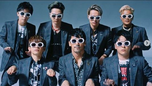 三代目 J SOUL BROTHERS from EXILE TRIBE『Rat-tat-tat』MV(画像は『Takanori Iwata 2020年1月29日付Instagram「『Rat-tat-tat』」』のスクリーンショット))