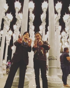 井浦新と鈴木一真(画像は『井浦 新   ARATA iura 2020年1月1日付Instagram「年の瀬にLAへ入り 家族で緩やかに過ごしています」』のスクリーンショット)