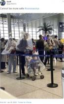 【海外発!Breaking News】感染対策? 中国でごみ袋やペットボトルを頭に被る人々<動画あり>
