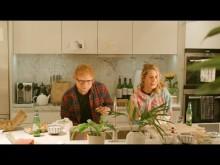 【イタすぎるセレブ達】エド・シーラン、新曲MVで愛妻との仲睦まじい姿を公開「花火のよう」に恋に落ちた馴れ初めも明かす