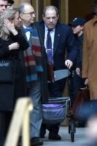 【イタすぎるセレブ達】ハーヴェイ・ワインスタイン有罪判決 告発した女優が証言台に立った女性達に感謝のツイート