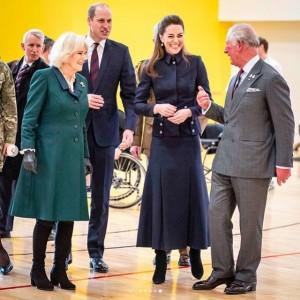 「新たなファブ4」と話題に(画像は『Kensington Palace 2020年2月11日付Instagram「Today The Prince of Wales and The Duchess of Cornwall, together with The Duke and Duchess of Cambridge visited the Defence Medical Rehabilitation Centre, to meet patients and staff.」』のスクリーンショット)