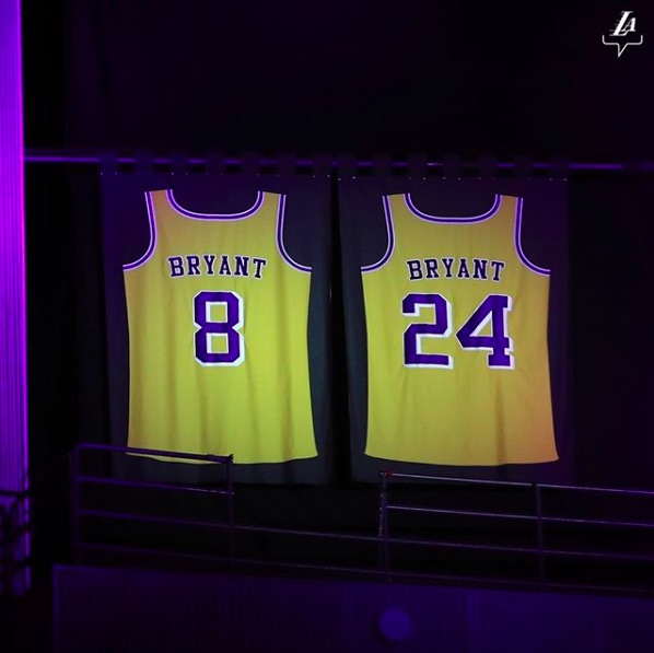 """eBayがコービー・ブライアントのメモリアルグッズを出品禁止に(画像は『Los Angeles Lakers 2020年1月31日付Instagram「""""Growing up and watching all these great players play and learning so much from them, to now be a part of that wall means everything to me.""""」』のスクリーンショット)"""