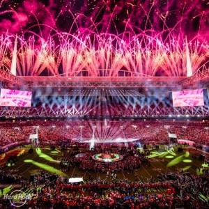 会場を盛り上げた盛大な花火(画像は『Miami Super Bowl LIV 2020年2月2日付Instagram「WHAT A SHOW!」』のスクリーンショット)