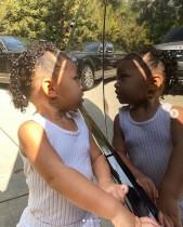 【イタすぎるセレブ達】カイリー・ジェンナーの2歳愛娘 大きなイヤリングをつけた写真に物議