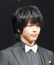 【エンタがビタミン♪】中村倫也が女装オフショットで魅了 ファンは思わず「チョコください…」
