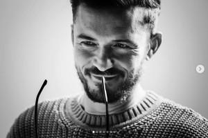 """【イタすぎるセレブ達】オーランド・ブルーム、愛息の名前入りタトゥーの""""スペルミス""""を修正"""