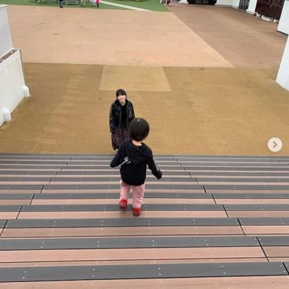 【エンタがビタミン♪】ピエール中野が公開 妻・大森靖子&息子のほのぼのショットにファン「癒される」「尊い」