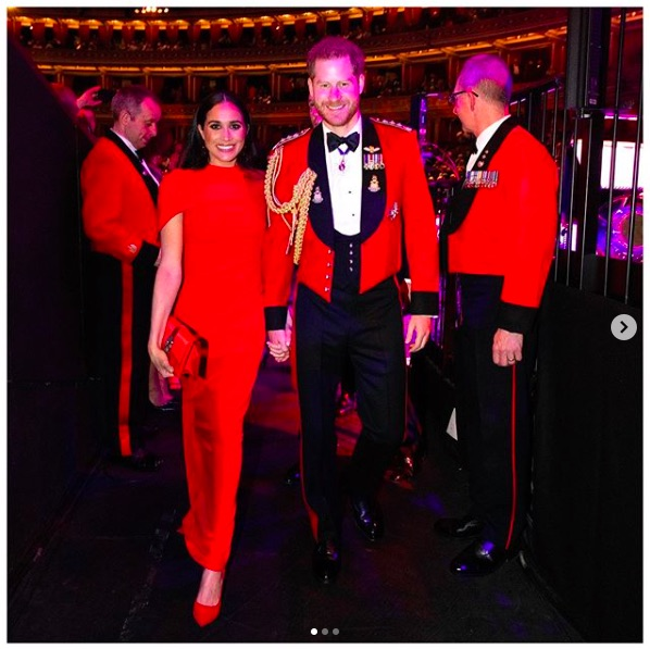 人々に一致団結を呼びかけたヘンリー王子夫妻(画像は『The Duke and Duchess of Sussex 2020年3月7日付Instagram「More from tonight as The Duke and Duchess of Sussex joined veterans, serving members, world-class musicians, composers and conductors of the Massed Bands of Her Majesty's Royal Marines for the annual Mountbatten Festival of Music」』のスクリーンショット)