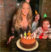 【イタすぎるセレブ達】自称「永遠の12歳」マライア・キャリー、50歳の誕生日もケーキのキャンドルは12本