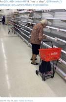 【海外発!Breaking News】「買いだめは止めて!」商品がほとんどないスーパーで涙する高齢女性の写真が拡散(豪)