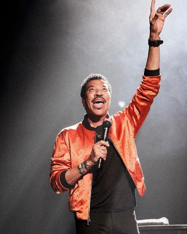 「『ウィ・アー・ザ・ワールド』は僕達が伝えたかったメッセージ」とライオネル・リッチー(画像は『Lionel Richie 2020年3月11日付Instagram「LAS VEGAS - Are YOU ready?!」』のスクリーンショット)