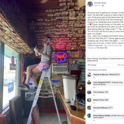 【海外発!Breaking News】バーのオーナー 壁のお札約40万円をはがして、スタッフに配る(米)